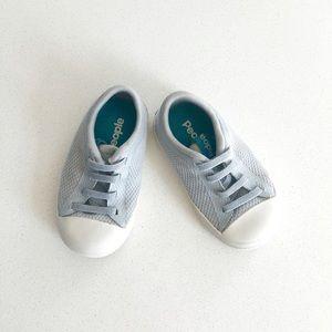 People Sneakers